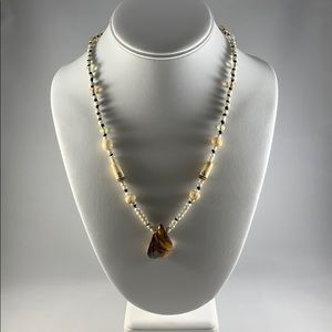 Jewelry - Handmade knotted necklace